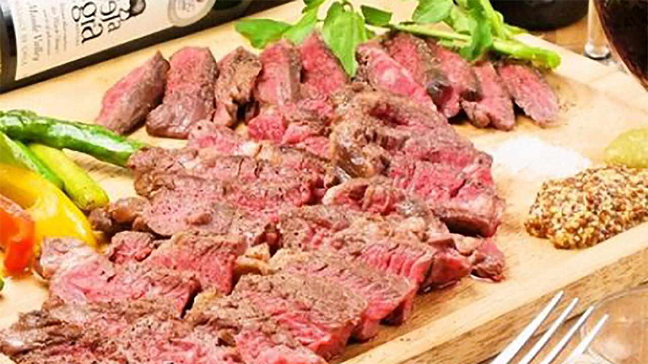 ワインと肉料理が自慢